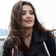 Become Beautiful With These Tips And Tricks Turkish Women Beautiful, Turkish Beauty, Beautiful Girl Image, Prettiest Actresses, Beautiful Actresses, Beautiful Girl Wallpaper, Hayat And Murat, Hande Ercel, Cute Girl Pic