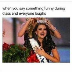Soccer humor hilarious & fußballstimmung unglaublich witzig & humour de football hilarant & humor del fútbol hilarante & soccer humor girl, soccer humor funny, soccer humor memes, soccer humor so true, soccer humor hilarious Crazy Funny Memes, Really Funny Memes, Stupid Funny Memes, Funny Relatable Memes, Haha Funny, Hilarious, Funny Stuff, Funny Things, Random Stuff