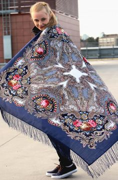 "Russian shawl ""Dream of a Butterfly"". from platforum.ru"