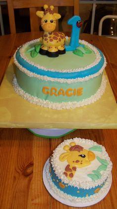 Baby Giraffe Birthday cake with matching mini Cake