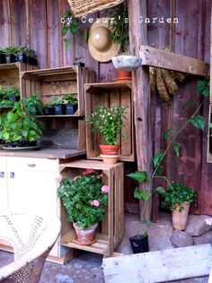 old wooden crates as shelves Wooden Crates Garden, Old Wooden Crates, Garden Inspiration, Garden Ideas, Terrazzo, Yard Art, Vegetable Garden, Home Crafts, Farmhouse Style