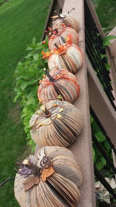 Reused E book Pumpkin Small Paper Pumpkin Picture 2 Fall Paper Crafts, Easy Fall Crafts, Fall Diy, Summer Crafts, Diy Crafts, Bead Crafts, Decor Crafts, Halloween Home Decor, Fall Halloween