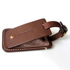 All leather luggage tag, 5.2mm full vegetable tanned cowhide with brass buckle, copper rivet and personal name card compartment.