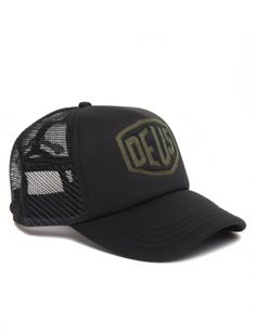 DEUS Trucker cap Raised Shield - black Deus Ex Machina, Baseball Cap Outfit, Baseball Hats, Mens Hat Store, Cap Girl, Rogue Fitness, Mesh Cap, Snapback Cap, Dad Hats