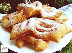Forgácsfánk, nem győzök annyit sütni belőle, hogy megunjuk! - Egyszerű Gyors Receptek Yummy Snacks, Yummy Food, Donuts, Hungarian Recipes, Little Kitchen, Winter Food, Apple Pie, Macarons, Cake Recipes