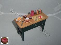 Tavolo in legno in scala 1:12