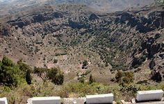 Caldera de Bandama | Top five road trips, Gran Canaria | http://www.weather2travel.com/blog/gran-canaria-excursions-top-5-road-trips.php #Spain #travel