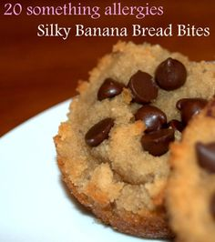 Silky Banana Bread Bites (GAPS/Paleo/Primal friendly, allergen and gluten-free) These indulgent little bites are reminiscent of rich banana bread but allergen-free and perfect for those on a grain-free diet. Paleo Dessert, Healthy Sweets, Gluten Free Desserts, Dessert Recipes, Paleo Banana Bread, Paleo Bread, Food Allergies, Whole Food Recipes, Free Recipes