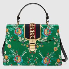 The Gucci Sylvie Top Handle Medium Floral Jacquard Green Leather Shoulder Bag is a top 10 member favorite on Tradesy. Satchel Handbags, Purses And Handbags, Leather Handbags, Satchel Bag, Tote Bag, Fashion Handbags, Fashion Bags, Fashion Accessories, Hermes Bags