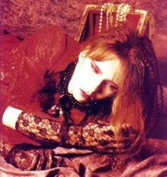 Yoshiki in crimson