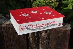 Dřevěná krabička na cokoliv PUNTÍK Tapas, Decoupage Box, Painted Boxes, Love Painting, Container, Decor, Jars, Painted Mailboxes, Dekoration