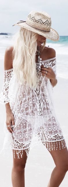 Boho lace kaftan Hippie Chic, Hippie Style, Hippie Elegante, Estilo Hippie, Bohemian Style, Hippie Gypsy, Bohemian Jewelry, Mode Outfits, Chic Outfits