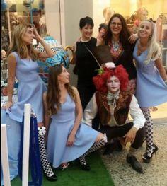 אליס חוגגת שנה במסיבת תה חגיגית Alice My Underworld
