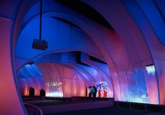 Welcome Gallery / Thomas Roszak Architecture