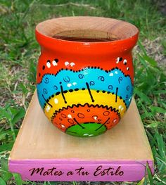 Flower Pot Crafts, Clay Pot Crafts, Painted Flower Pots, Painted Pots, Flower Doodles, Doodles Zentangles, Terracotta Pots, Pottery Vase, Clay Pots