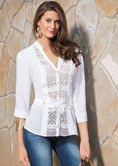 Risultati immagini per blusas de kriterium Blouse Styles, Blouse Designs, Casual Outfits, Fashion Outfits, Dressy Tops, Long Tops, Trendy Dresses, Blouses For Women, Fashion Design