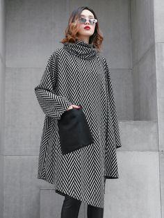 High Neck Loose Striped Irregular D Muslim Fashion, Hijab Fashion, Fashion Dresses, Modest Fashion, Hijab Stile, Mode Mantel, Coats For Women, Clothes For Women, Poncho