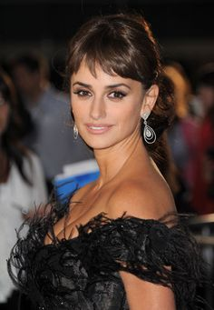 Check Out Penelope Cruzs Hot Bangs (Its Like Audrey Hepburn and Sophia Loren Had a Hair Baby): Girls in the Beauty Department