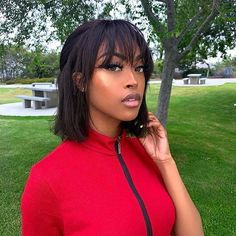 🌸Pretty look!!! So, are you ready to get her same one?🔥🔥🔥 Besure you deserve it too!!!👏 Straight weft bang bob wig👇 check out our site via link in bio💕