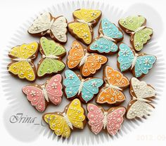 Butterfly Cookies - IrinaVS via Cake Central Crazy Cookies, Cut Out Cookies, Iced Cookies, Cute Cookies, Easter Cookies, Cupcake Cookies, Sugar Cookies, Cupcakes, Cookie Decorating Icing