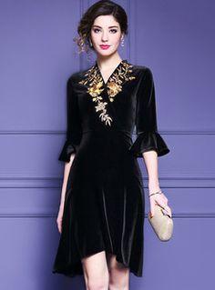 Court Embroidered V-neck Flare Sleeve Asymmetric Dress