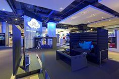 Samsung shop in shop at Selfridges by Dalziel and Pow, London store design