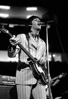 See Paul McCartney pictures, photo shoots, and listen online to the latest music. The Beatles Live, The Ed Sullivan Show, Latest Music, Paul Mccartney, Photoshoot, Concert, Isfp, Beetles, Detroit