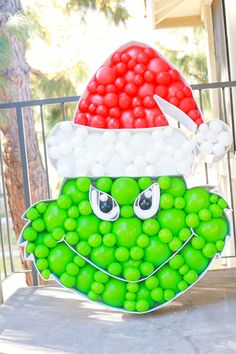 Balloon Frame, Love Balloon, Balloon Ideas, Balloon Decorations, Balloons And More, White Balloons, Cat In The Hat Party, Grinch Christmas Decorations, Balloon Crafts