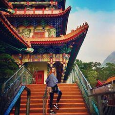Budha Island - Hong Kong - 5 Golden Budhas Temple from my side