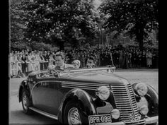 Adolf Dymsza and beatiful cars [video] (Repozytorium Cyfrowe Filmoteki Narodowej) #Dymsza #polishactors #actors