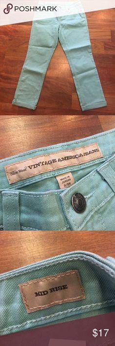 Nine West Jean Capri Vintage America jeans by Nine West, mid rise, size 2/25, excellent condition Nine West Jeans