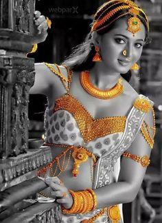 Anushka's Rudramadevi Movie Photos Beautiful Girl Indian, Beautiful Indian Actress, Beautiful Actresses, Beautiful Women, Indian Film Actress, South Indian Actress, Indian Actresses, Anushka Photos, Actress Anushka