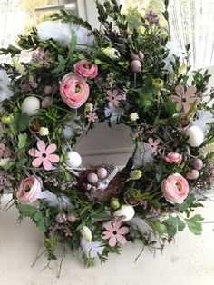 Beautiful pastel wreath with bird nest & bird eggs. Xmas Wreaths, Easter Wreaths, Door Wreaths, Wreath Crafts, Diy Wreath, Grapevine Wreath, Welcome Wreath, Summer Wreath, Floral Arrangements