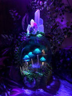 Glowing mushroom lamp Mushroom Decor, Mushroom Art, Mushroom Lights, Room Ideas Bedroom, Bedroom Decor, Fairy Room, Aesthetic Room Decor, Clay Crafts, Room Inspiration