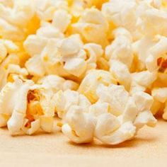 Popcorn with Parmesan and Thyme: toss plain popped popcorn with olive oil, grated Parmesan, chopped fresh thyme, and lemon juice. Easy Appetizer Recipes, Appetizer Dips, Snack Recipes, Healthy Recipes, Snacks, High Glycemic Foods, Holiday Appetizers, Different Recipes, Feta