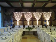 #wedding #decor #hochzeit #esküvő #weddinglights #kingblue Coron, Elegant Wedding, Valance Curtains, Chandelier, Ceiling Lights, Lighting, Blue, Home Decor, Wedding