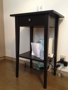 3. IKEA 棚(棚のみ、その他アイテム含まず)  ・黒 木製 引き出し1つ付  ・サイズ:L46cm*35cm*H69cm  ・JPY 2,000