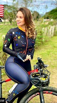 Bicycle Women, Bicycle Girl, Female Cyclist, Curvy Bikini, Arab Girls Hijab, Athletic Models, Cycling Girls, Cycling Outfit, Sport Girl