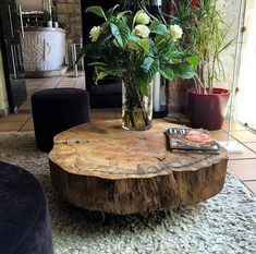 Coffee table design over is a really praiseworthy and contemporary layouts. Hope you understand or motivation for your contemporary coffee table. Unique Coffee Table, Cool Coffee Tables, Decorating Coffee Tables, Coffee Table Design, Modern Coffee Tables, Tree Stump Coffee Table, Tree Trunk Table, Design Table, Table Designs