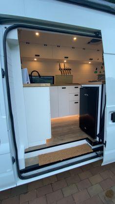 Van Conversion Interior, Camper Van Conversion Diy, Build A Camper Van, Kombi Home, Caravan Makeover, Motorhome, Van Home, Campervan Interior, Van Living
