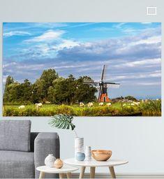 Het Friese landschap kenmerkt zich door polders, molens en weilanden. Deze foto is gemaakt in het begin van de avond en laat een gedeelte van de zonsondergang zien. Golf Courses, Canvas, Prints, Tela, Canvases, Printmaking