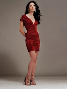Some day I will look like this... already got the pale skin, long dark hair, long legs... need that waist!