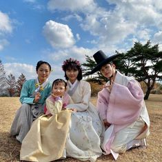 [Drama The Joseon Romantic Comedy: Tale of Nok-Du, 조선로코: 녹두전 - Page 144 - k-dramas & movies - Soompi Forums Romantic Scenes, Romantic Movies, Kdrama, Kim So Hyun Fashion, Bride Of The Water God, Kim Sohyun, Korean Drama Movies, Korean Dramas, Drama Fever