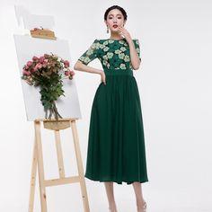 Schwarz-grüne+Spitze+Maxi-Kleid+von+UniqueDress+auf+DaWanda.com
