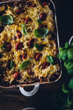 Vegaaninen lasagne (V) – Viimeistä murua myöten Food Crush, Cookery Books, Pepperoni, Vegetable Pizza, Side Dishes, Salads, Goodies, Food And Drink, Meals