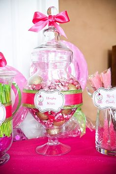 Super cute! I need to do this for my daughter's birthday!
