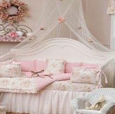 Pink-Shabby-Chic-Girls-Bedroom.jpg 251×250 pixels
