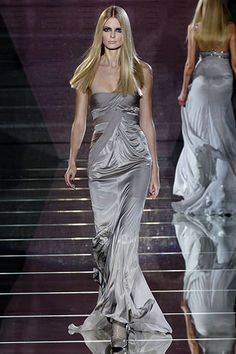 Versace Fall 2006 Ready-to-Wear Collection Slideshow on Style.com