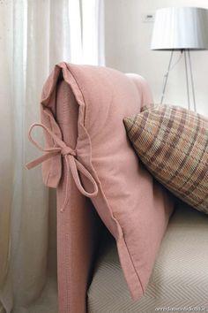 www.arredamentidiotti.it public camere-letti-moderni 1162 Vivian-letto-imbottito-matrimoniale-cuscino-di-testata-rosa-antico-dett-cuscino-big.jpg