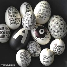 Graphic Easter eggs in black and white. Easter Tree, Easter Gift, Easter Crafts, Happy Easter, Easter Bunny, Easter Eggs, Spool Crafts, Easter Egg Designs, Diy Ostern